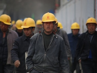 Thousands of Taiwanese Work in China 6